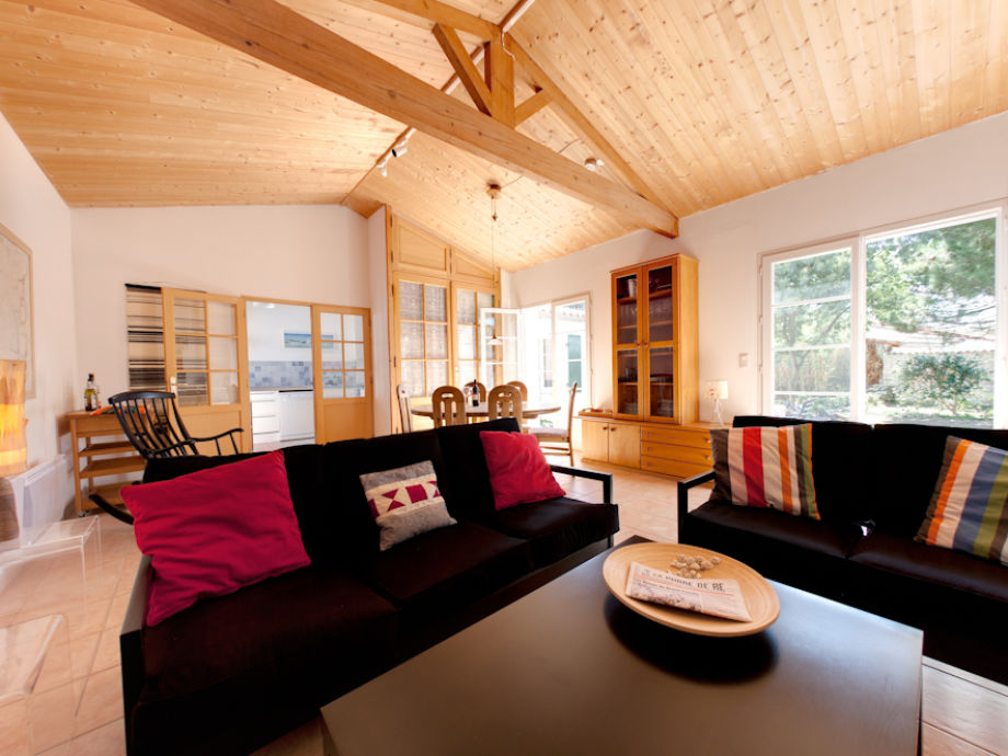 Wohnzimmer Mit Sitzecke Und Esstisch
