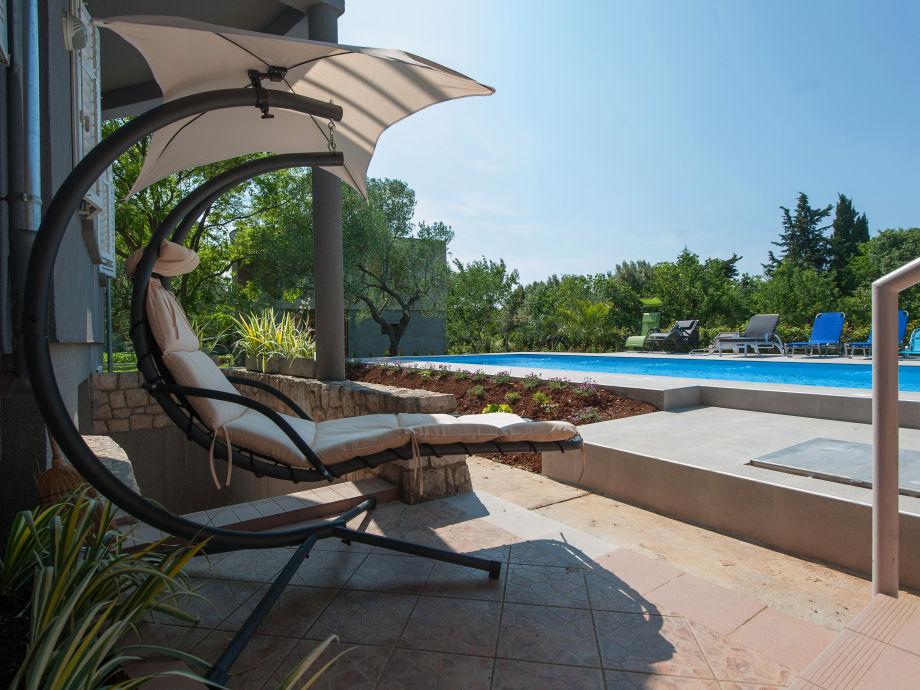 Außenaufnahme Große Ferienwohnung mit Swimming pool