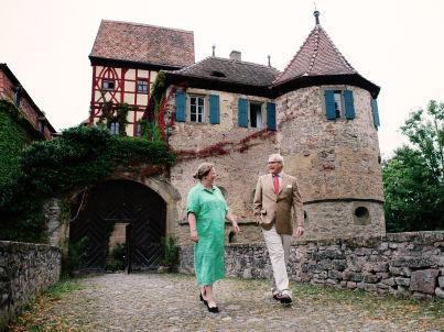 Ihr Gastgeber Viktoria Gräfin zu Waldburg-Wolfegg