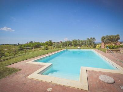 in San Gimignano mit Pool