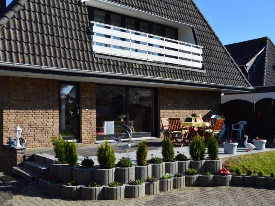 """Große und sonnige Terrasse der Ferienwohnung """"Wattwurm"""""""