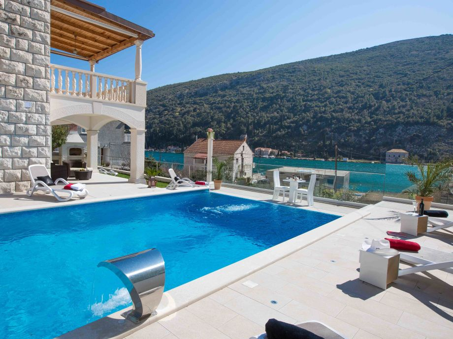 Terrace with Swimming Pool