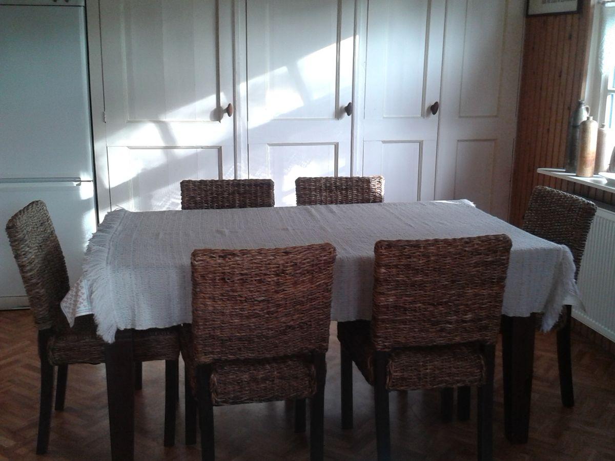 Ferienwohnung familiehuis ameland hollum firma familiehuis ameland frau hannelore de jong - Tisch mit stuhle ...