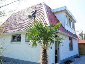 Ferienhaus (OA106) Komplett renoviert mit Sauna