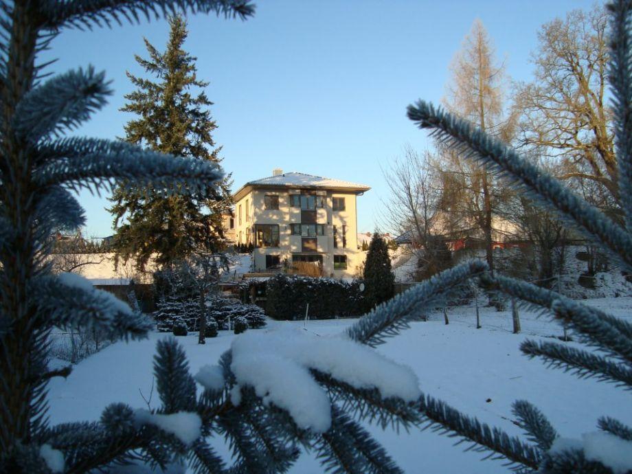 Villa am Weinberg im Winter