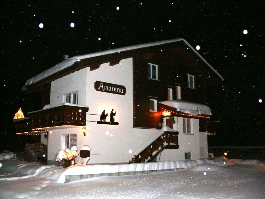 Winterliches Ferienhaus Amarena