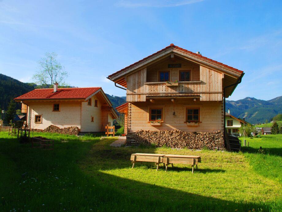 Austadl und Lederhuberhütte im Sommer