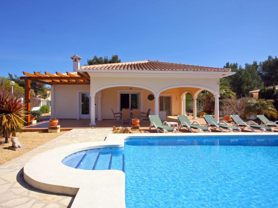 Villa Acheron mit Pool