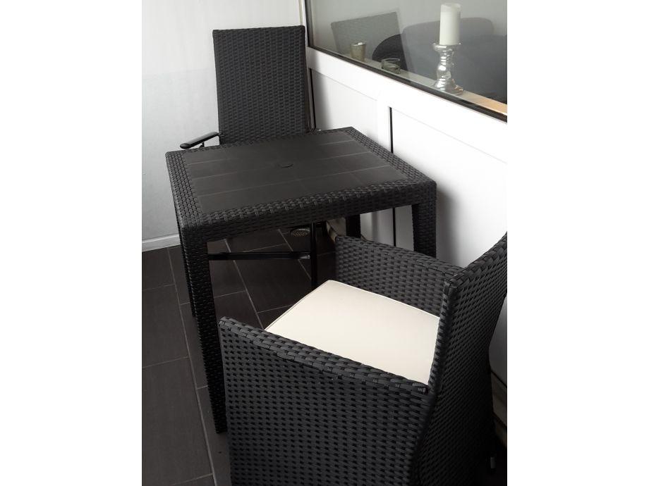 gartenmobel balkon winter interessante. Black Bedroom Furniture Sets. Home Design Ideas