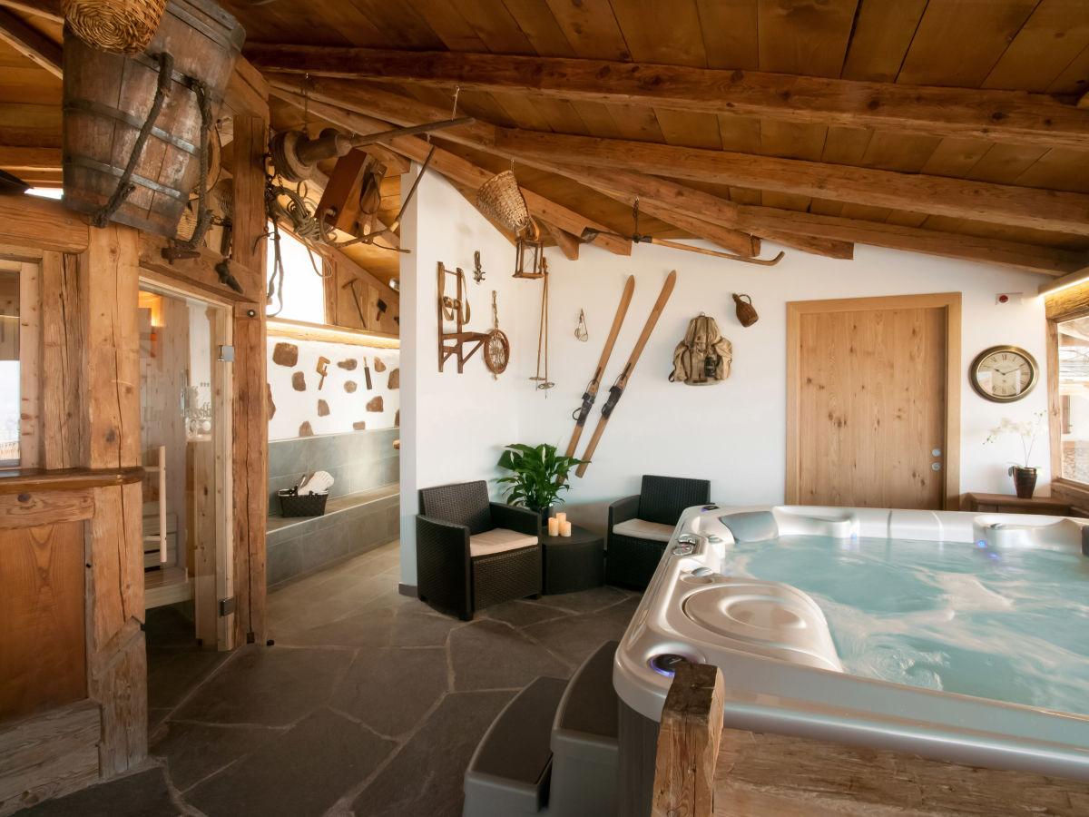 Ferienwohnung franzl residence unterm sslhof lana firma residence unterm sslhof herr - Sauna whirlpool ...