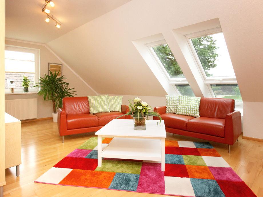 Wohnzimmer mit Blick in die Natur
