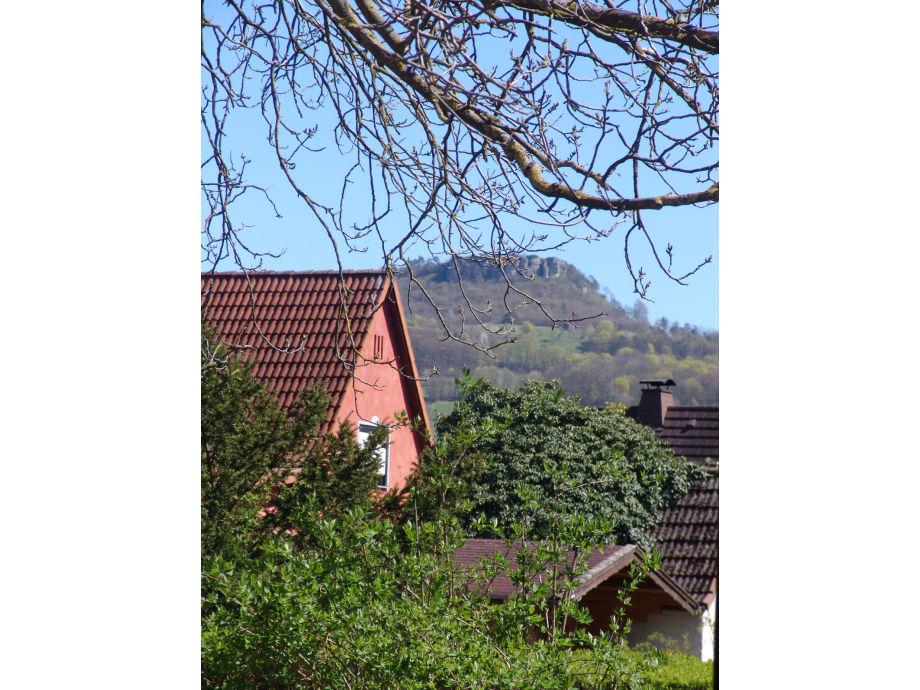 Blick vom Garten und Hof und Terasse
