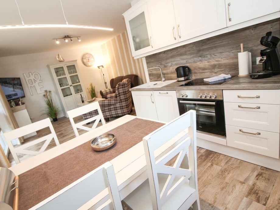 Küche & Essplatz