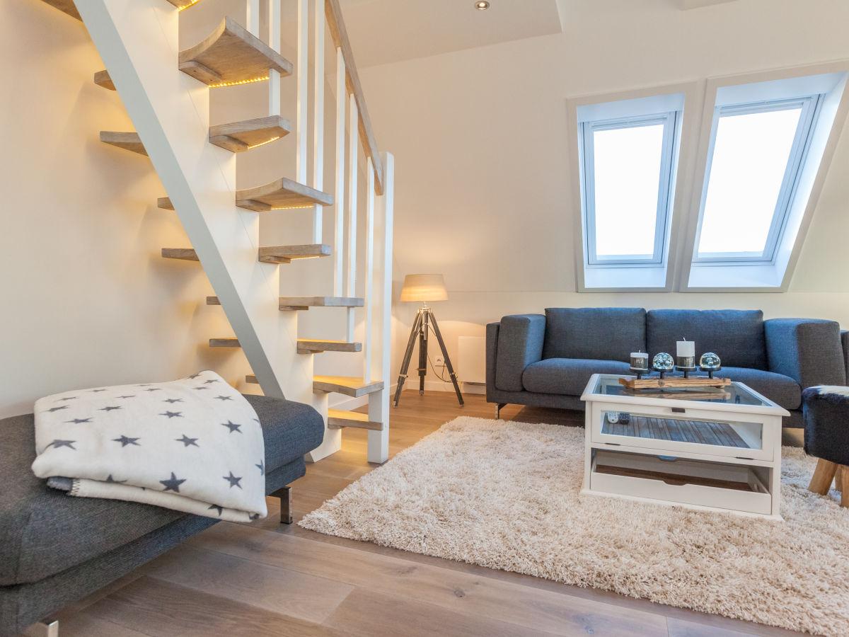 ferienwohnung im haus list ellenbogen sylt frau pirko. Black Bedroom Furniture Sets. Home Design Ideas