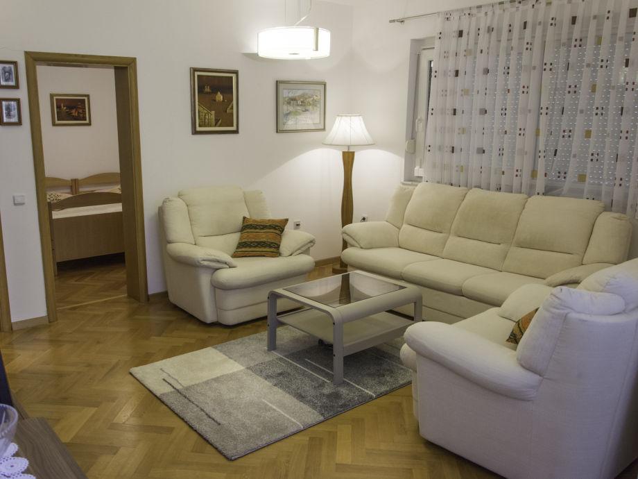 Schlafsofa im Wohnzimmer-Zusatzbett