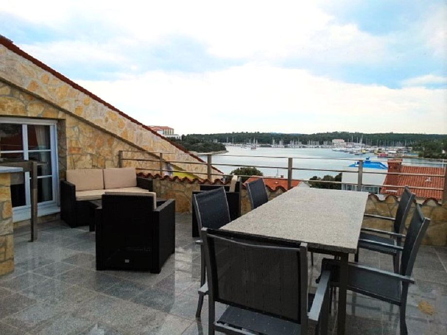 Big terrace with sea view
