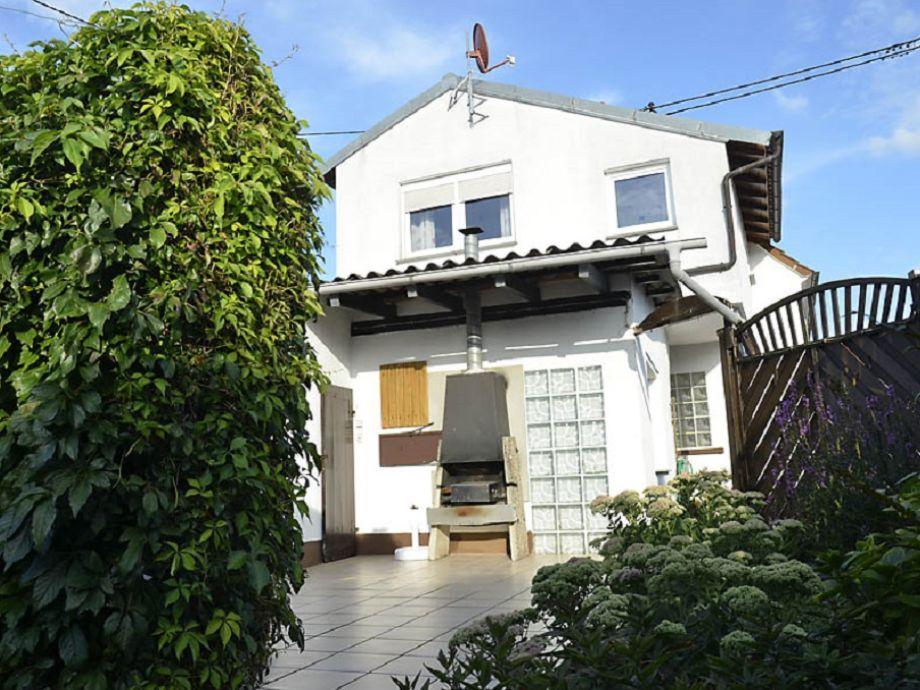 Terrasse mit Blick auf das Haus
