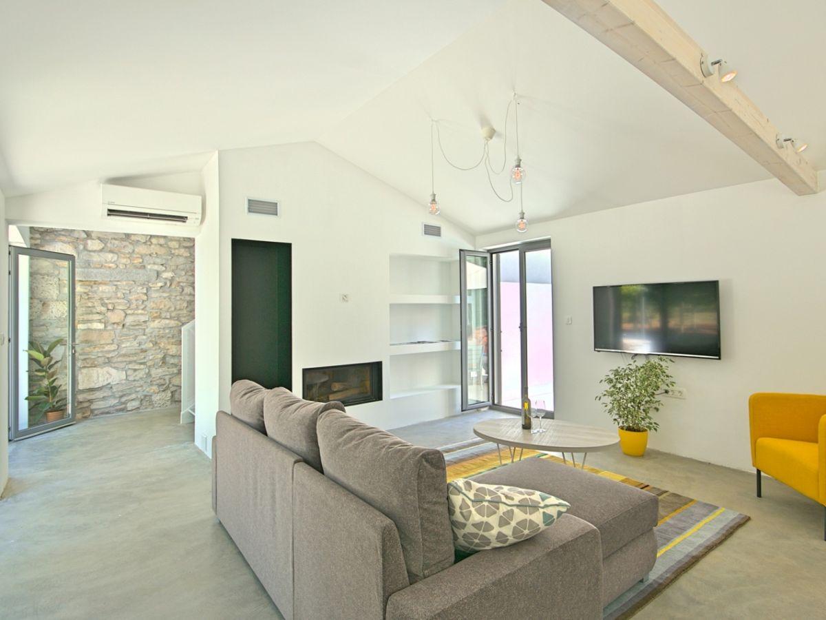 villa stepancic labin rabac istrien firma istria home d o o herr jasmin sabic. Black Bedroom Furniture Sets. Home Design Ideas