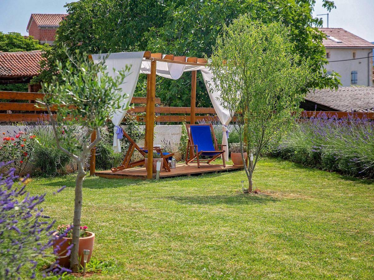 villa cicibella barban firma istria home d o o herr jasmin sabic. Black Bedroom Furniture Sets. Home Design Ideas