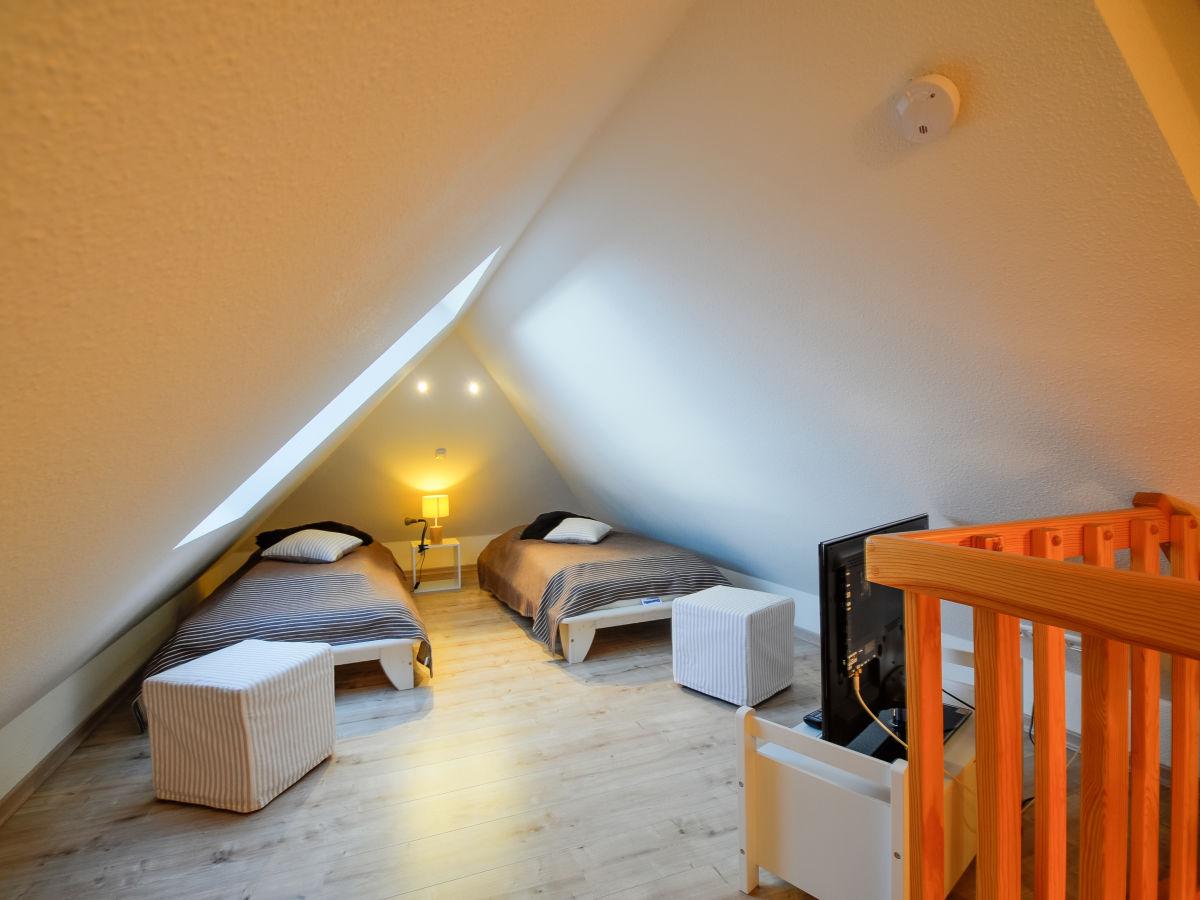 ferienhaus inselblume 11 ostsee fehmarn firma inselblume fehmarn frau beate blum. Black Bedroom Furniture Sets. Home Design Ideas