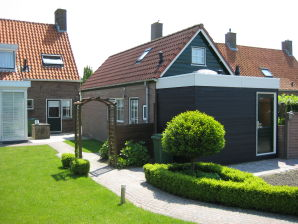 "Holiday apartment ""Pinkeltje"""