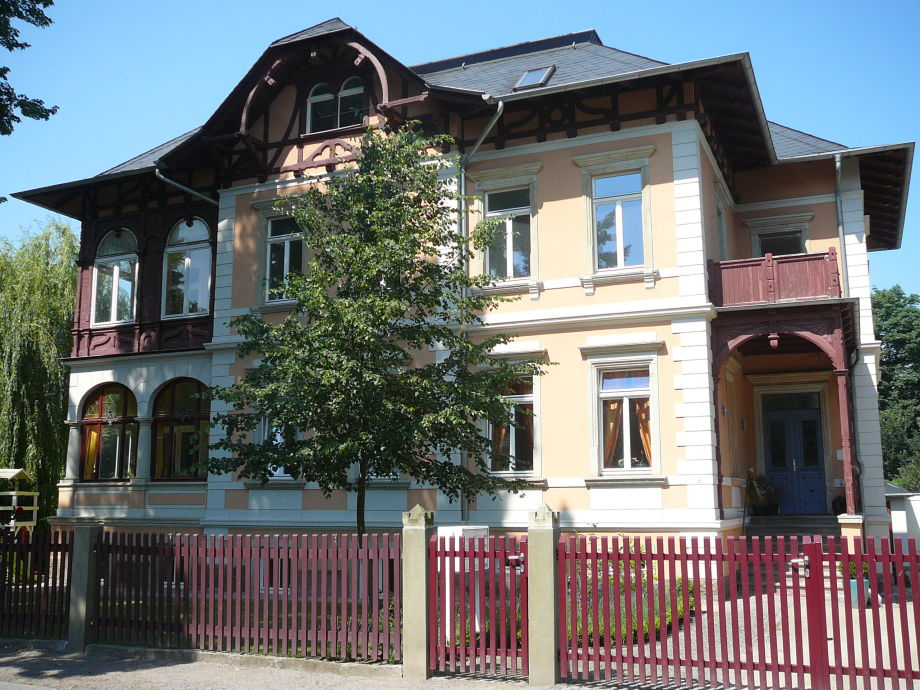 Wilhelm-Busch-Str. 1