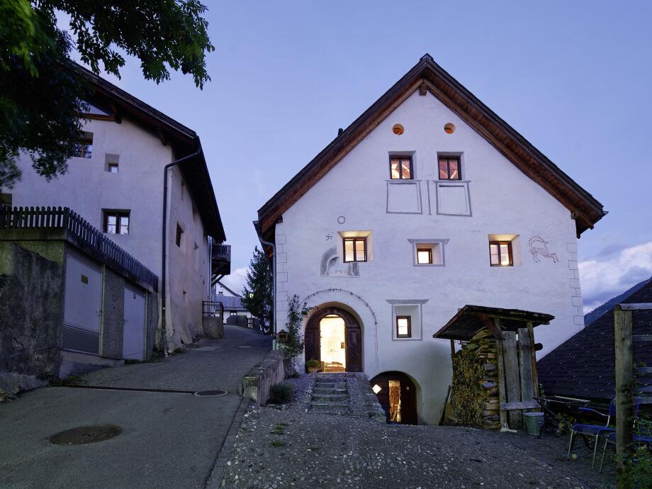 historische Engadiner Fassade Jhg. 1699