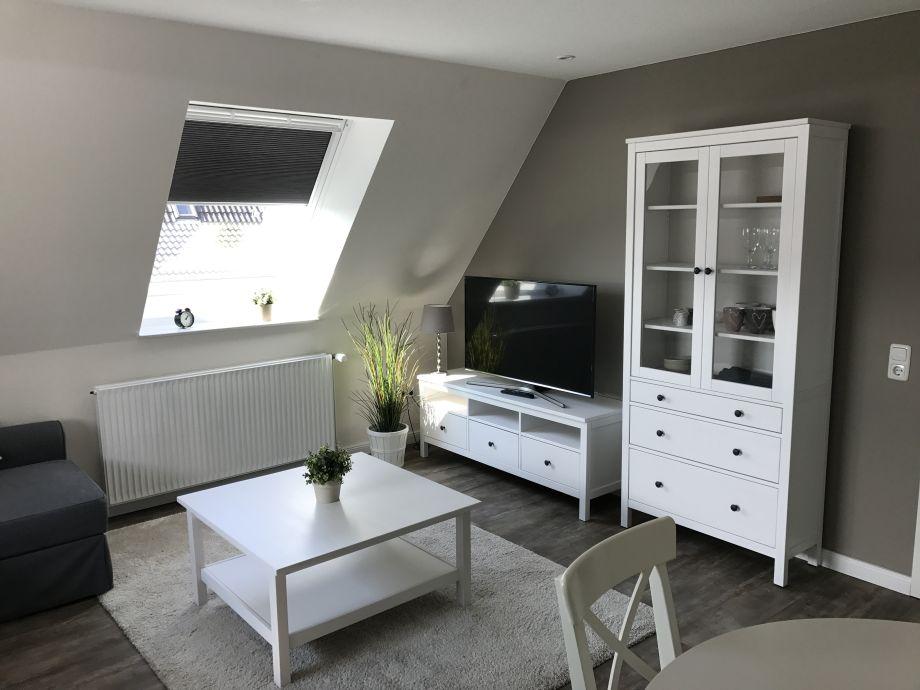 Geschmackvolle Einrichtung und toller Flatscreen-TV