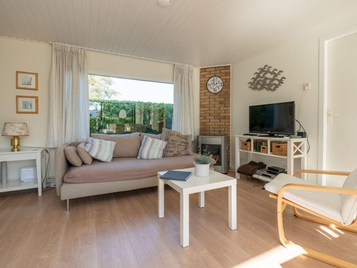 Ferienhaus wildhoek 9 renesse firma sorglos urlaub in - Eingerichtete wohnzimmer ...