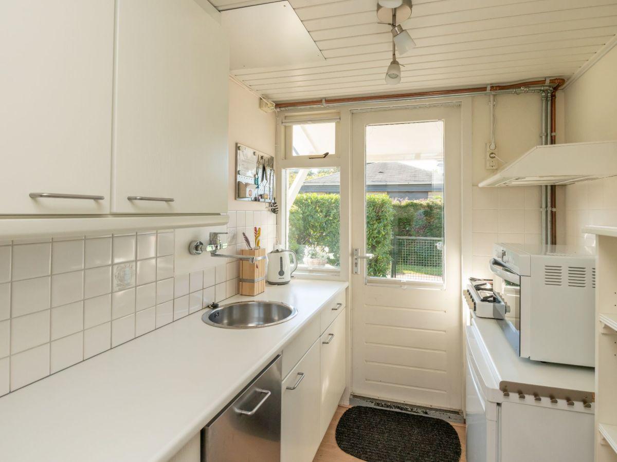 ferienhaus wildhoek 9 renesse firma sorglos urlaub in zeeland frau lara koppenaal. Black Bedroom Furniture Sets. Home Design Ideas