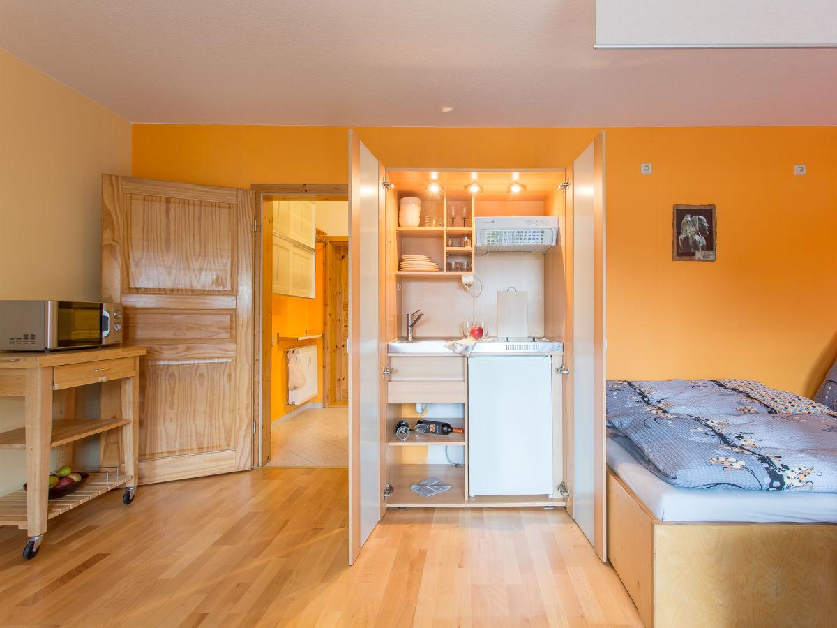 ferienwohnung garz garz auf usedom firma anderpol zimmervermittlung anna rogowska frau. Black Bedroom Furniture Sets. Home Design Ideas