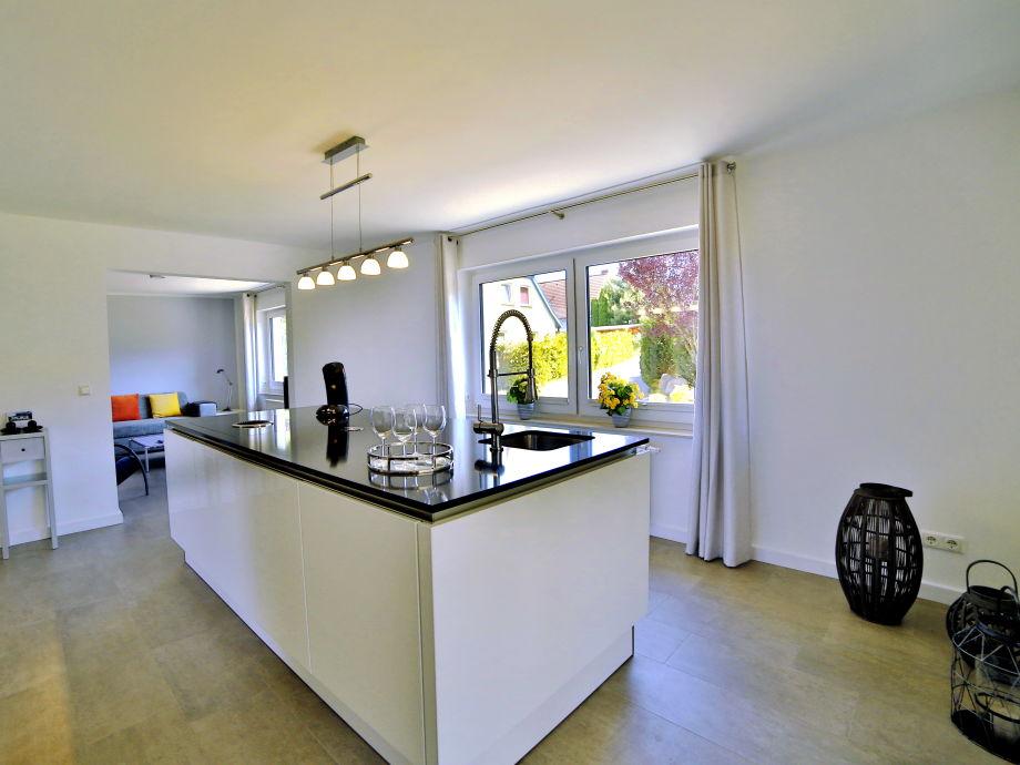 Ferienwohnung Köllmann Binz, Ostseebad Binz auf Rügen - Firma ... | {Kücheninsel mit sitzgelegenheit 67}