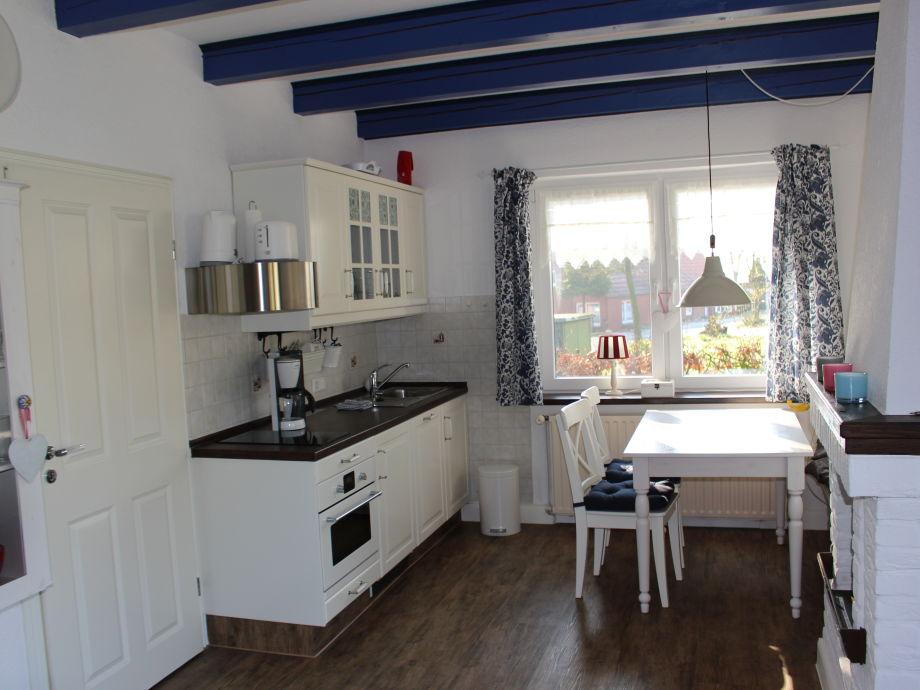 Ferienhaus dat luttje huus ostfriesland krummhorn firma for Küchenzeile mit ger ten