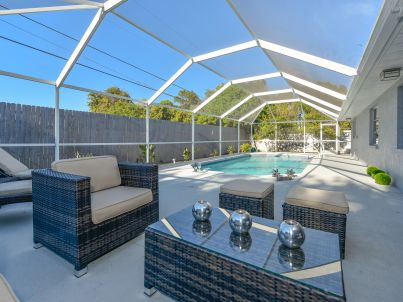 Pool Villa II mit Privat-Strand