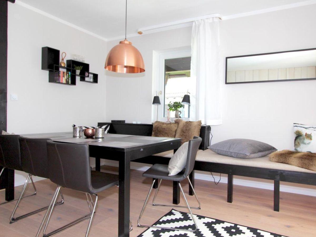 Stylisches Wohnzimmer Mit Modernem Interieur