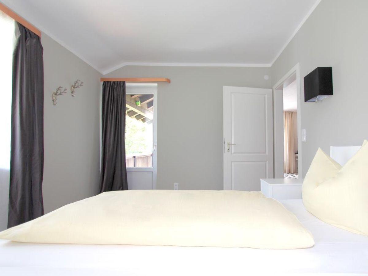 ferienwohnung enzian oberbayern garmisch partenkirchen. Black Bedroom Furniture Sets. Home Design Ideas