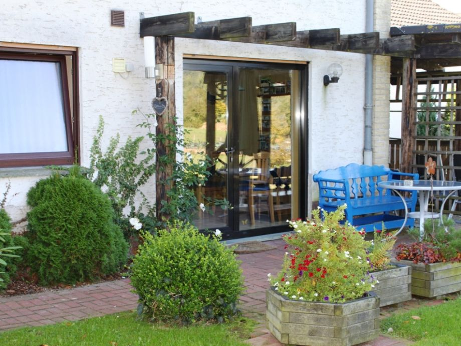 Blick auf die Terrasse - zugleich Eingang