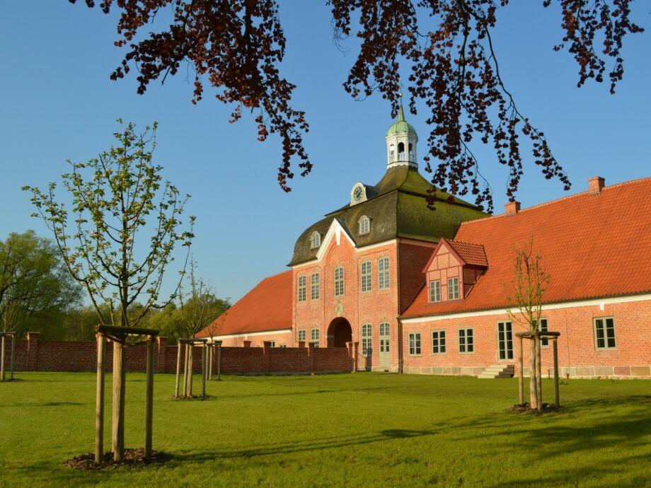 Kultur Gut Hasselburg - Torhaus Garten