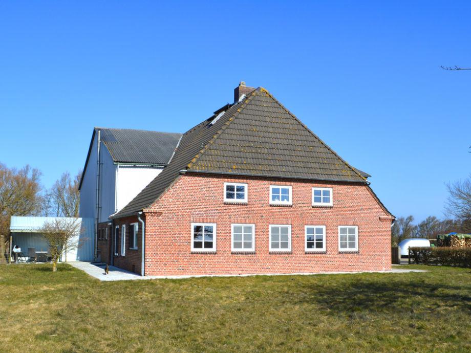 links im Bild die Terrasse..(im Winter aufgenommen)
