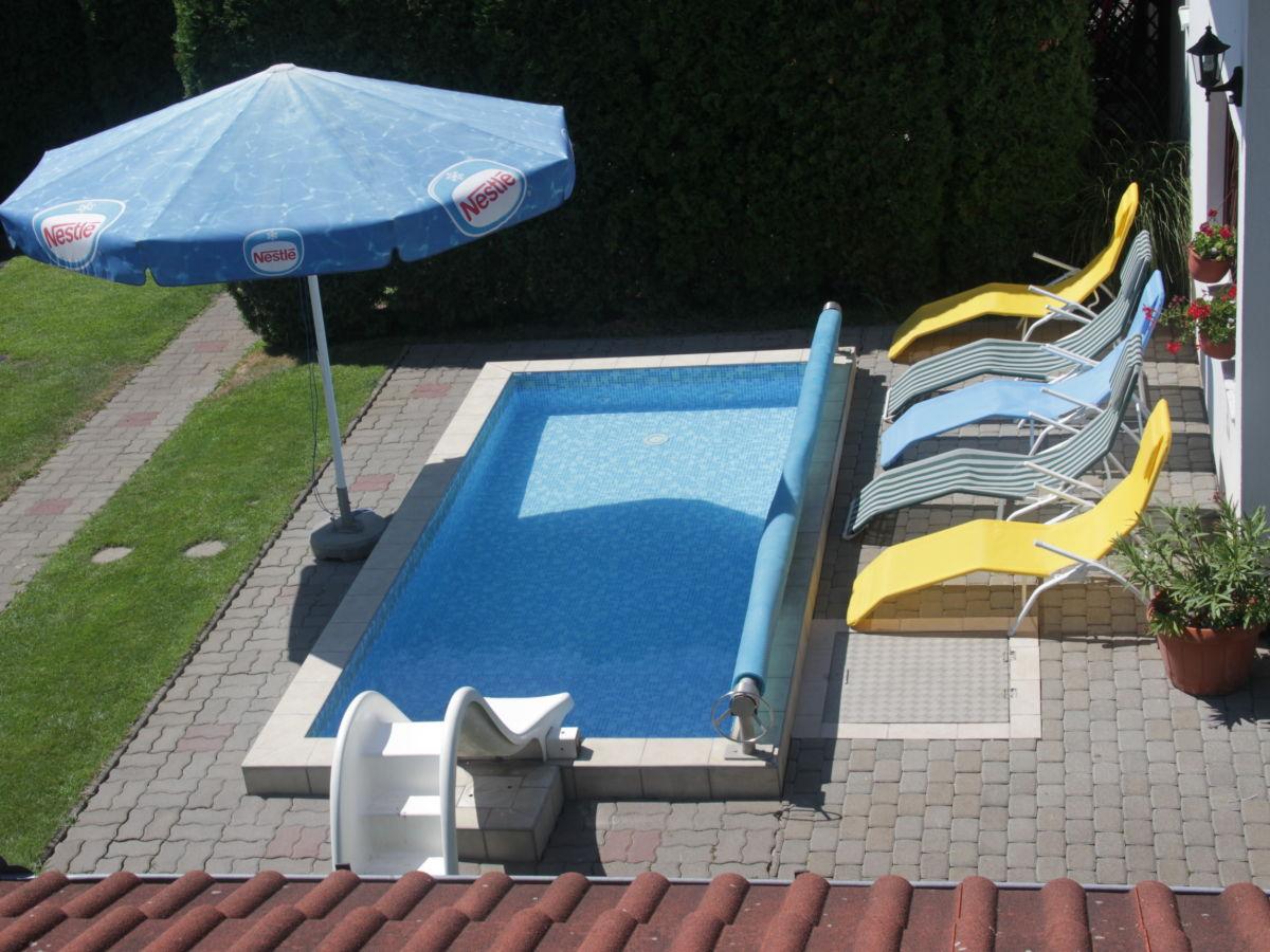 Ferienhaus mit pool si fok herr csorba - Wasserrutsche garten ...