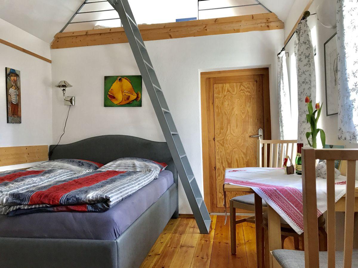 ferienhaus kleines haus am hafen prerow familie garve. Black Bedroom Furniture Sets. Home Design Ideas