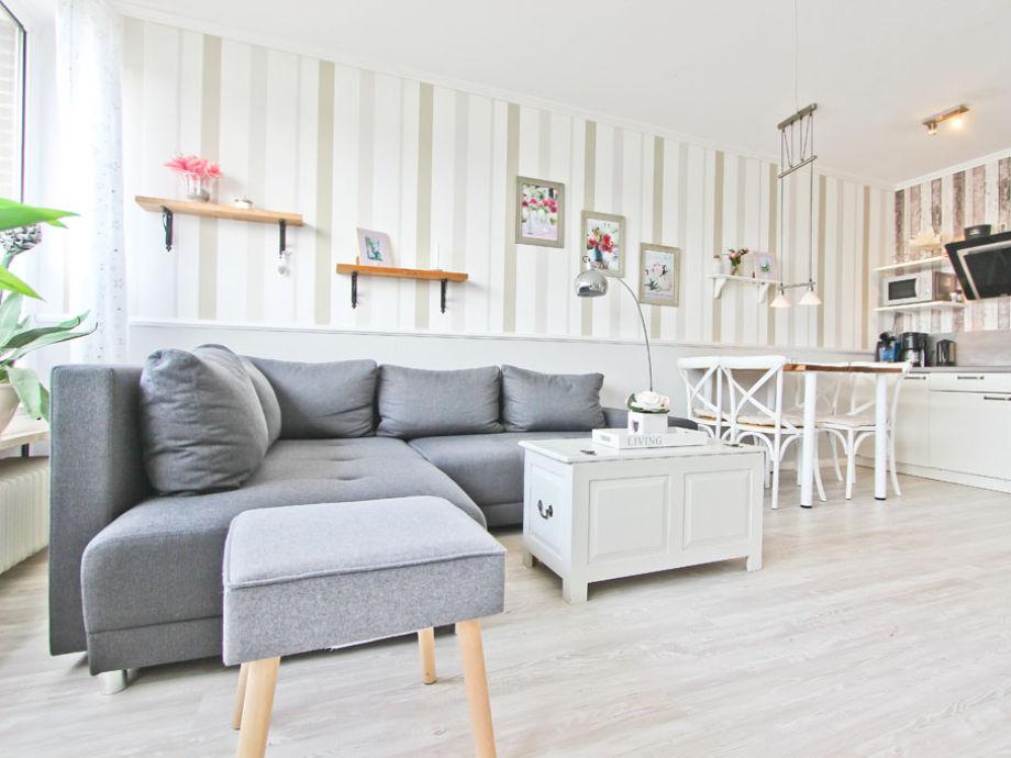 gemütliche Couch-Ecke im Wohnzimmer