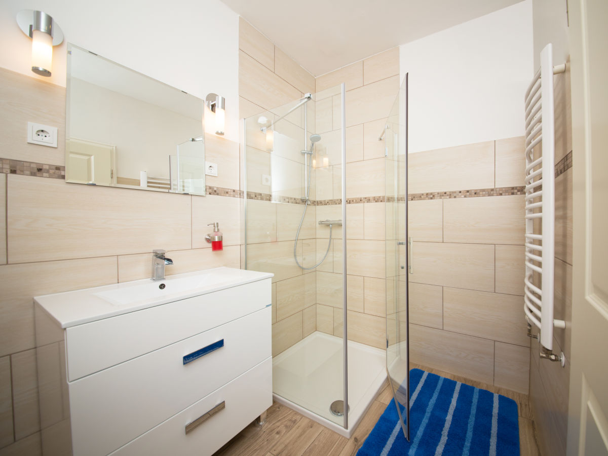 apartment 9 mit schleiblick rabenkirchen faul ck firma otto 39 s ferienh user herr jan otto. Black Bedroom Furniture Sets. Home Design Ideas