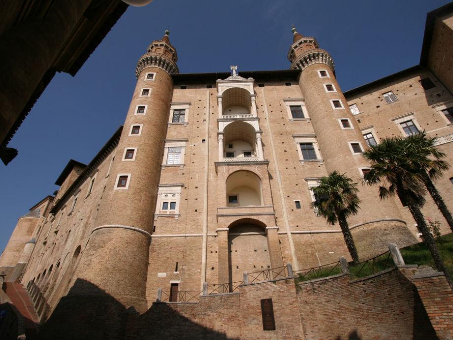 Esstisch Urbino ~ Ferienwohnung Marcheholiday La Luna, Marken, Tavullia  Firma Marcheholiday