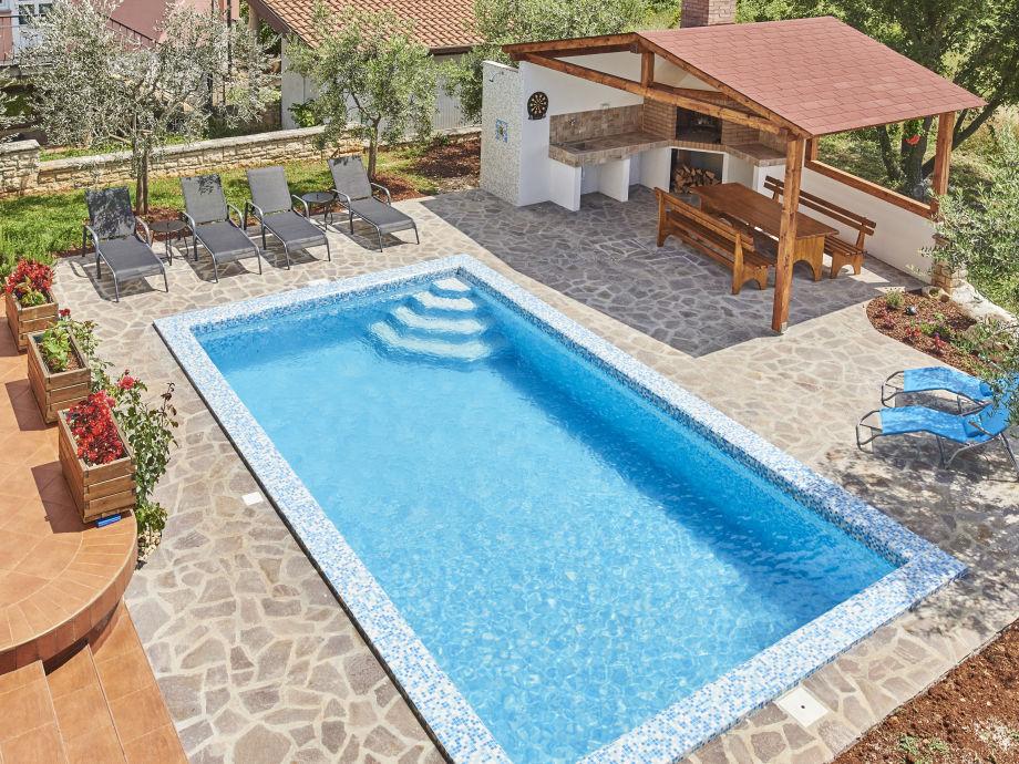 Pool 24m2 in einer sauberen , ruhigen umgebung