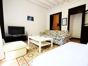 Antoni Apartment