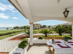 Ferienwohnung mit Meerblick für 2-4 nur 40m von Strand