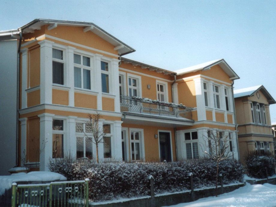 """Außenaufnahme in der Villa """"Mutabor"""" 3"""
