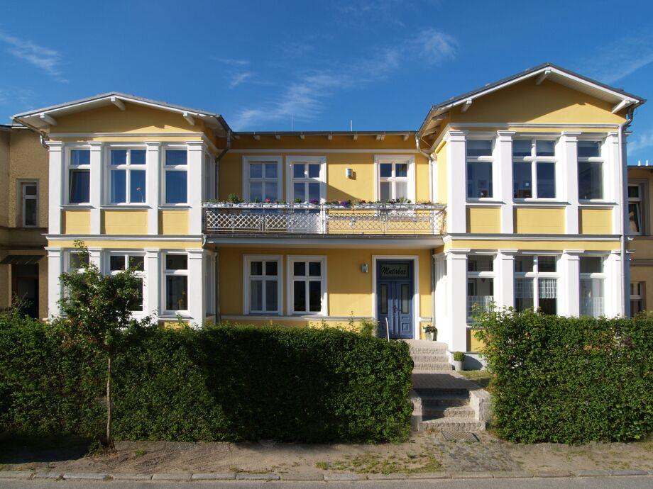 """Außenaufnahme in der Villa """"Mutabor"""" 8"""