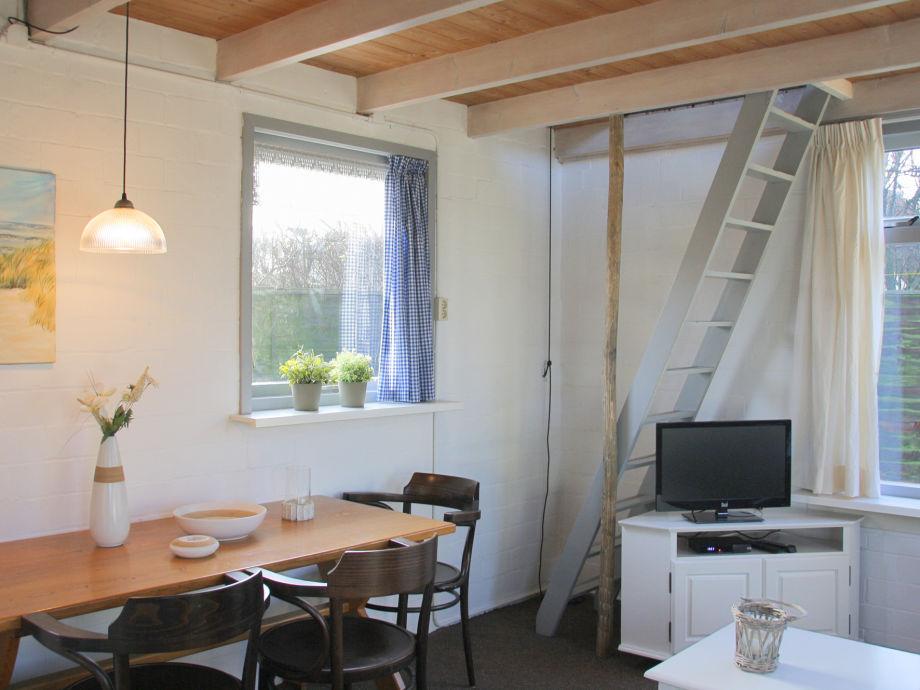 Wohnzimmer In Orange Braun Und Teakholz Ideen